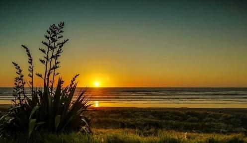 aaMidway_Beach_-_Best_Photo_Sapphire_Baker from www.hawkesbay.co.nz